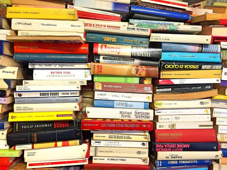 books-2085589_1920