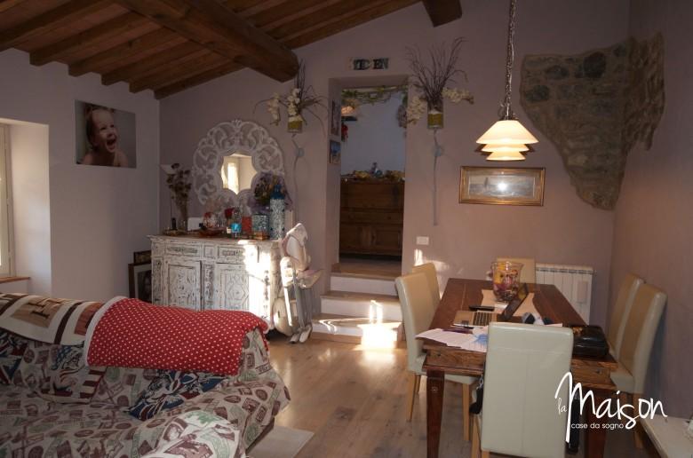 casa vendita vaiano colonica la maison case da sogno agenzia immobiliare prato22.jpg