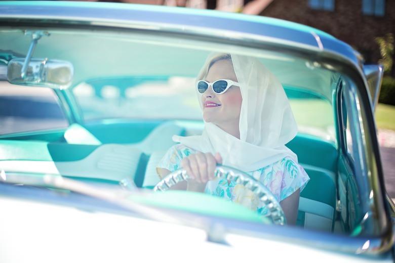 donne e mori composure magazine ww.composureonline.com articolo donne come cambiare una ruota.jpg2.jpg