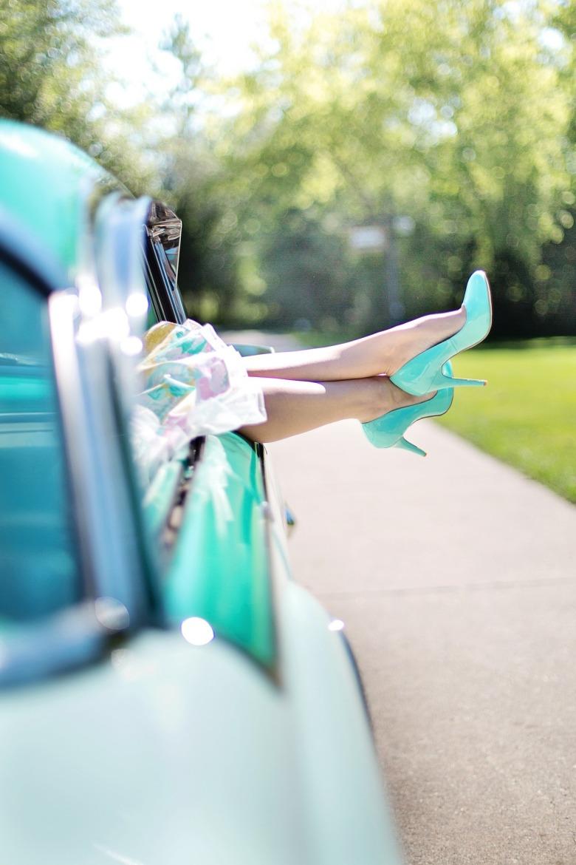 donne e mori composure magazine ww.composureonline.com articolo donne come cambiare una ruota.jpg3.jpg