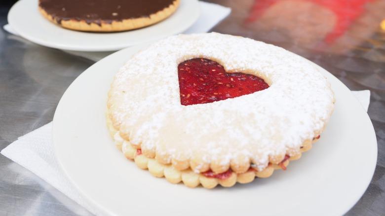 pastries-1521502_1920