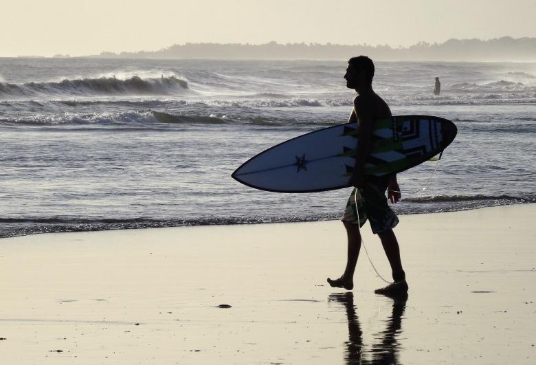 surfer-1434030_1920.jpg