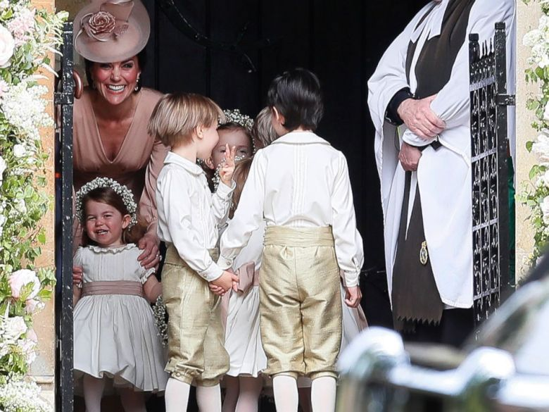 ap-pippa-middleton-wedding-09-jc-170520_4x3_992